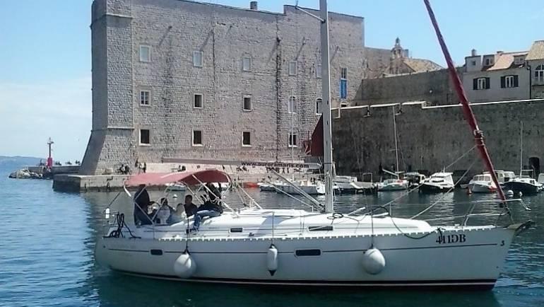 Oceanis-361-Dubrovnik-Old-Town.jpg